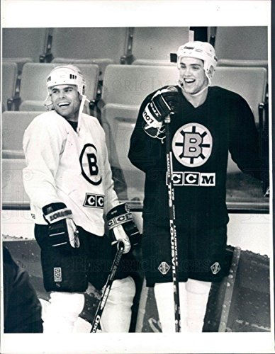 Vintage Photos 1996 Press Photo NHL Boston Bruins Kyle McLaren & Ray Bourque - snb1901