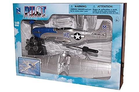 New Ray WWII Fighter Plane Model Kit - Model Plane