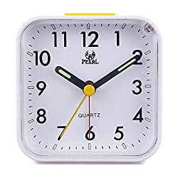 Kaimao Non Ticking Analog Alarm Clock with Nightlight and Snooze, Small Desk Clocks AA Battery Powered, White