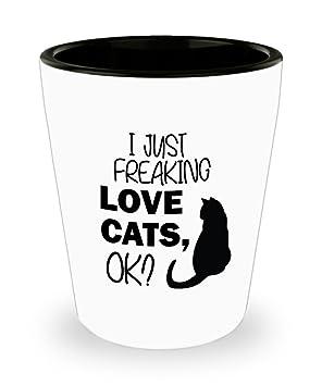 Vaso negro para gato - I Just Freaking Love Cats, OK. El mejor regalo para amantes de los gatos: Amazon.es: Hogar
