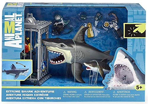(Shark Attack Figure Playset By Animal)