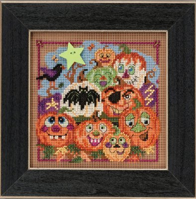 - Painted Pumpkins Halloween Beaded Counted Cross Stitch Kit Mill Hill 2015 Buttons & Beads Autumn MH145206
