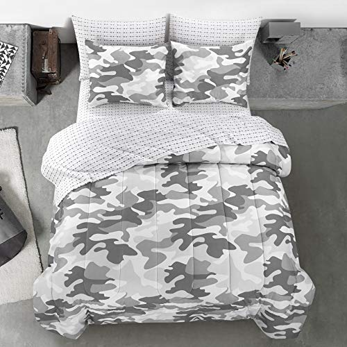 - Heritage Kids Camouflage Comforter Set, Full, Grey