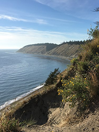 (Hiking with Valentine - Ebey's Landing Trail, the Only National Historical Reserve of U.S. )