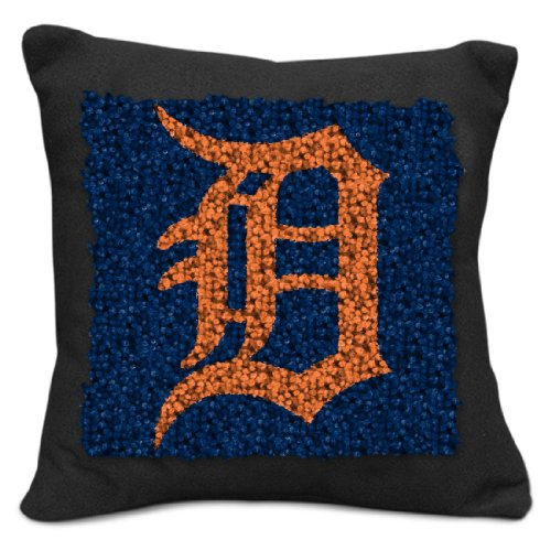 Sports Latch Hook (MLB Detroit Tigers Pillow Latch Hook Kit, 9-Inch)