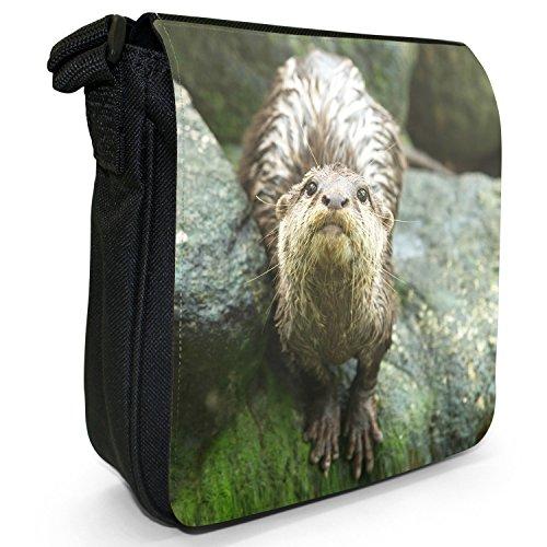 A Sac Bandoulière Felsen Otter Fancy Snuggle Von Blickt Femme Herunter 1dqwfwx