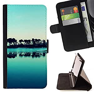 For Sony Xperia Z1 Compact / Z1 Mini (Not Z1) D5503 Case , Naturaleza Hermosa Forrest Verde 176- la tarjeta de Crédito Slots PU Funda de cuero Monedero caso cubierta de piel