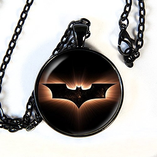 Comiccon Hulk Costumes (Batman logo - pendant necklace - HM)