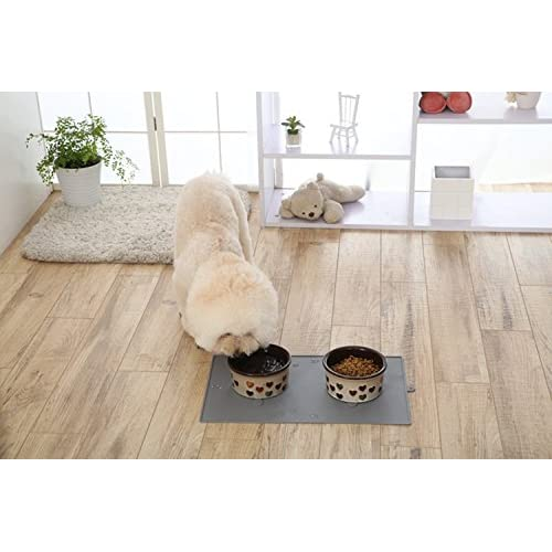 Pet Feeding Mat, PYRUS Premium FDA Grade Silicone Pet Food Mat for Cat Dogs Feeding Mat with Suction Cups Preventing Upset/ Messes
