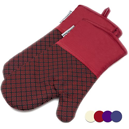 LA Sweet Home Silicone Oven Mitts Greek Key Pattern Heat Resistant Potholders Cooking Gloves Non-Slip Barbecue Gloves, Pot Holders as Gift 1 Pair (Red) by by LA Sweet Home (Image #9)