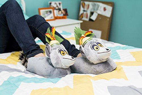 9ad124be4 Happy Feet 2107-2 - DreamWorks Madagascar - King Julien Slippers - Medium  Mens and Womens Slippers - Buy Online in Oman.