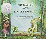 Mr. Rabbit and the Lovely Present (1 Hardcover/1 CD)
