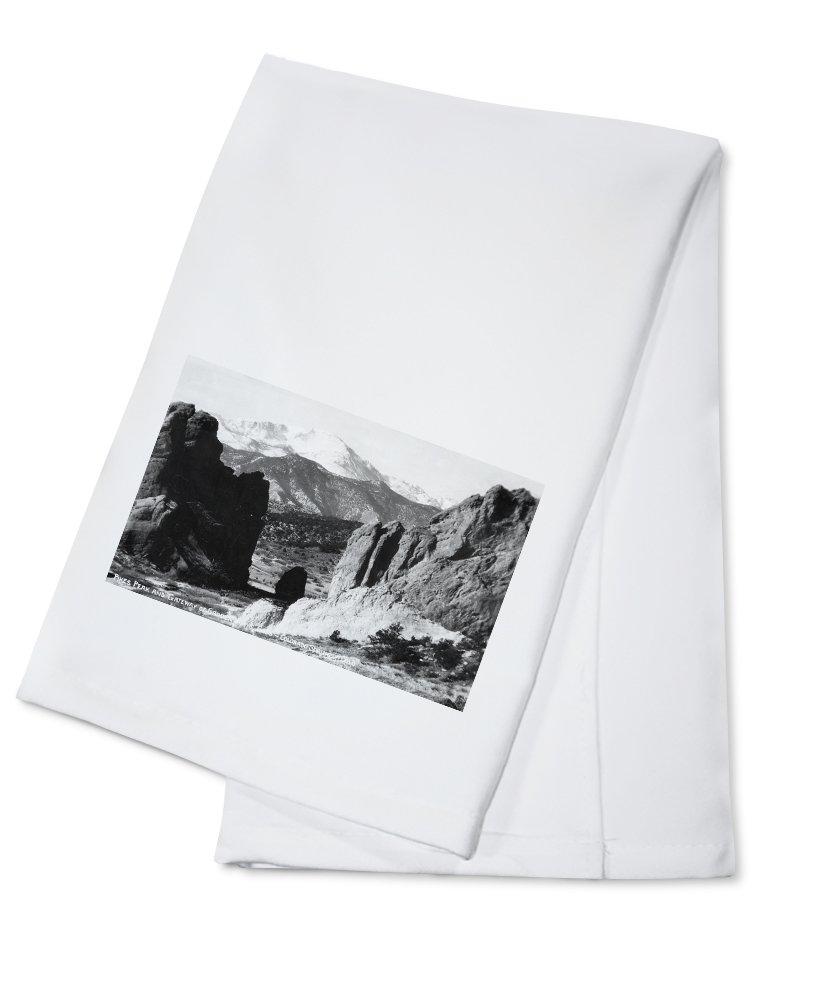 Colorado Springs、コロラド – ビューのPikes Peakからゲートウェイto Garden of the Gods Cotton Towel LANT-30304-TL B0184BDDA0  Cotton Towel