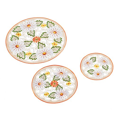 y Floral Cut Out Vintage Style Embroidered Table Linens Overlays, Doilies ()
