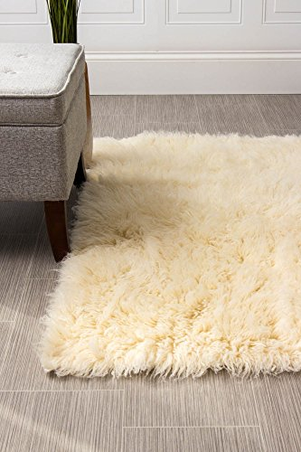 (Super Area Rugs Hand-Woven Soft Wool Flokati Shag Rug 3 Feet by 5 Feet (3' X 5'), Natural)
