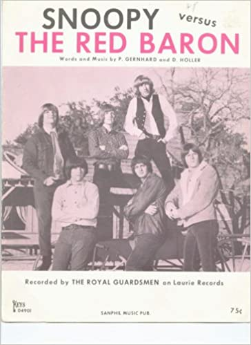 Snoopy Verse The Red Baron: Amazon com: Books