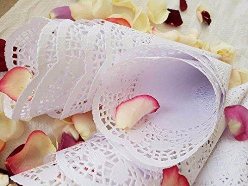 The 8 best wedding cones for petals