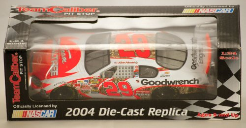 2004 - Team Caliber Pit Stop / NASCAR - Kevin Harvick #29 - Team RealTree / Goodwrench - Chevy Monte Carlo - 1:24 Scale Diecast Metal - Limited Edition - Collectible - Goodwrench Engine