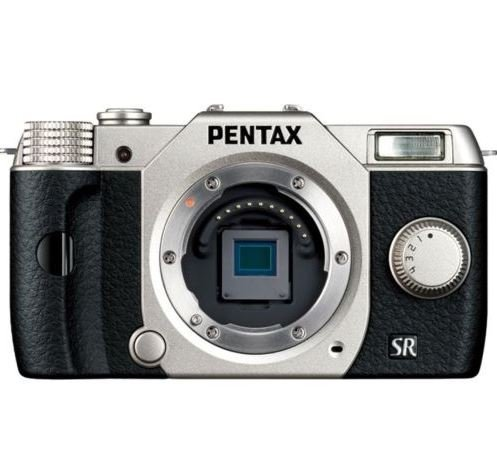 (Pentax Q10 12.4 MP Digital Camera - Silver (Body Only))
