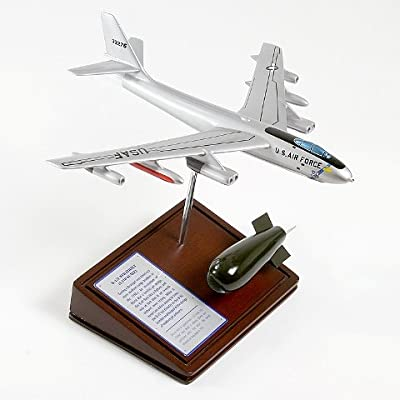 Mastercraft Collection B-47E Stratojet Model
