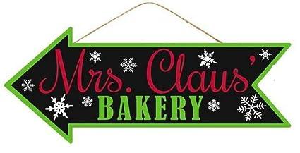 Christmas Arrow.Amazon Com Mrs Claus Bakery Christmas Arrow Sign Wreath