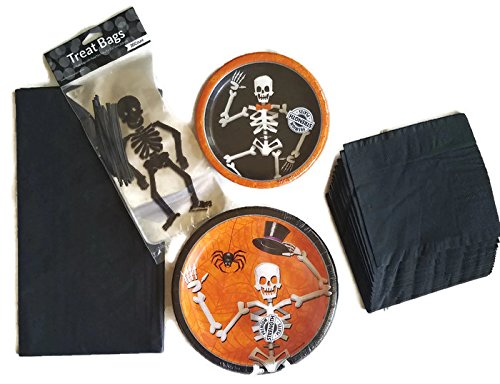 Creative Converting Halloween Party Supplies Bundle of 5 Includes Paper Plates, Napkins, Tablecloth and Treat Bags - Service for (Calabazas De Papel Halloween)