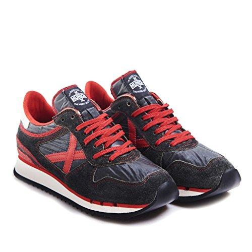 Sneakers Uomo Munich 41 Nero/rosso 03mn8860021/nou Autunno Inverno 2016/17