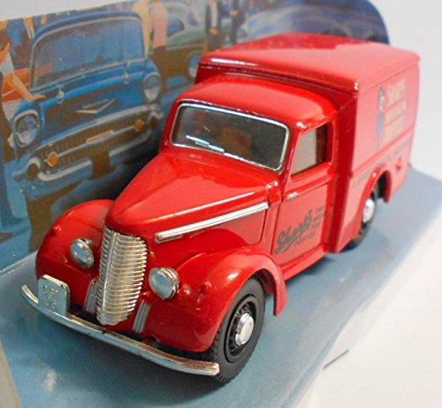 "Dinky DY8-B 1948 Commer 8 CWT VAN ""His Master"