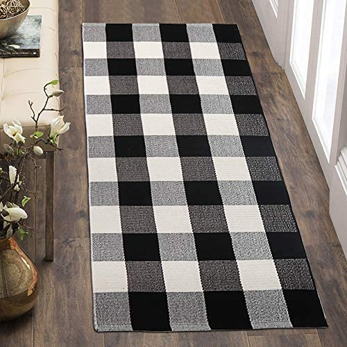 OJIA Farmhouse Buffalo Plaid Rug, 24 x51 Buffalo Checkered Area Rug Cotton Runner Rug Trellis Doormat Outdoor Woven Lattice Carpet for Entryway Hallway Laundry Room 2 x 4 , Black and White