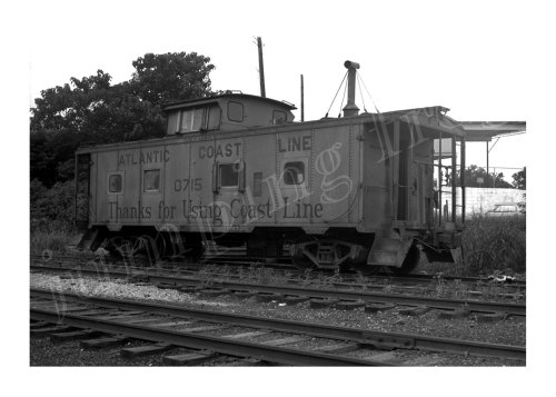 (Atlantic Coast Line caboose #0715 5x7