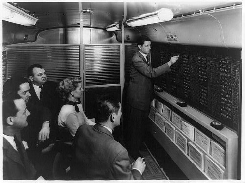 photo-merrill-lynch-account-executivestock-pricesquotation-boardmobile-office1954