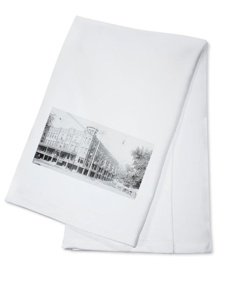 Mason City, Iowa - Exterior View of the Wilson Hotel (100% Cotton Kitchen Towel)