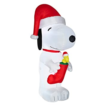 Snoopy And Woodstock Christmas Inflatable.Gemmy 10 Ft X 4 52 Ft Lighted Inflatables Snoopy With Woodstock In Stocking Giant Peanuts Inflatable