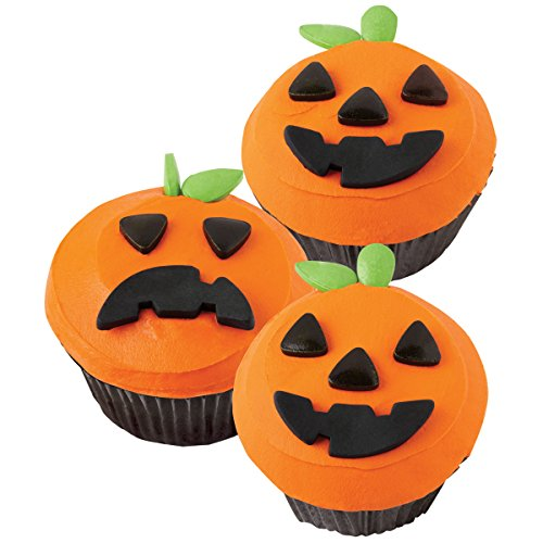 Wilton 2104-0031 Jack-O-lantern Cupcake Decorating Kit]()