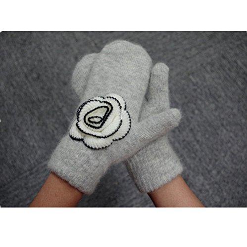 Women's knitted warm gloves Pure handmade camellia Pure wool gloves Mitten