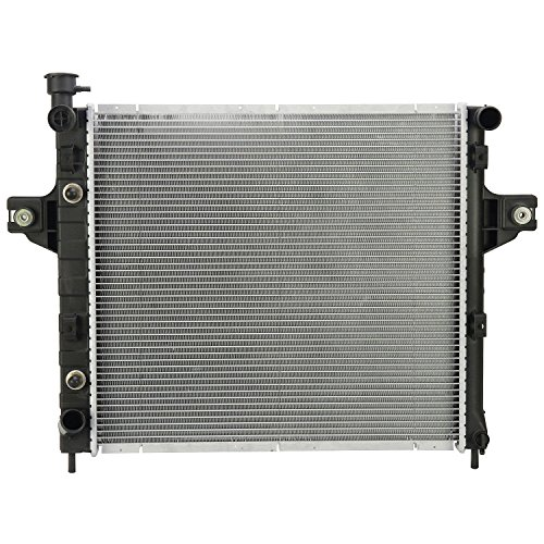 Jeep Grand Cherokee Radiator (Klimoto Brand 2262 New Radiator For Jeep Grand Cherokee 1999 - 2004 4.0 L6)