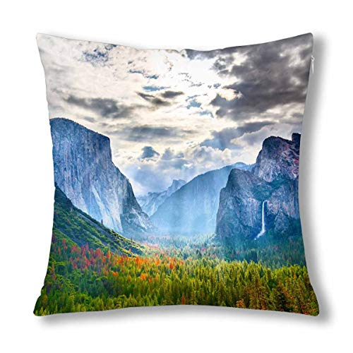 INTERESTPRINT Yosemite Valley National Park USA Famous Attractions Decor Decorative Pillow Case Cushion Covers, Zippered Throw Pillowcase Protector, 18x18 Inch