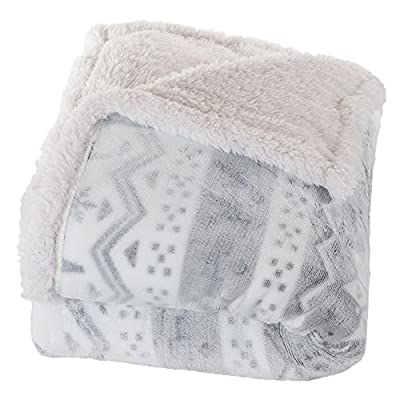 Bedford Home Fleece Sherpa Blanket Throw Blanket, Snow Flakes - Material: 100% polyester Pattern: snow flake Face material: PV fleece - blankets-throws, bedroom-sheets-comforters, bedroom - 51NP3RPNucL. SS400  -