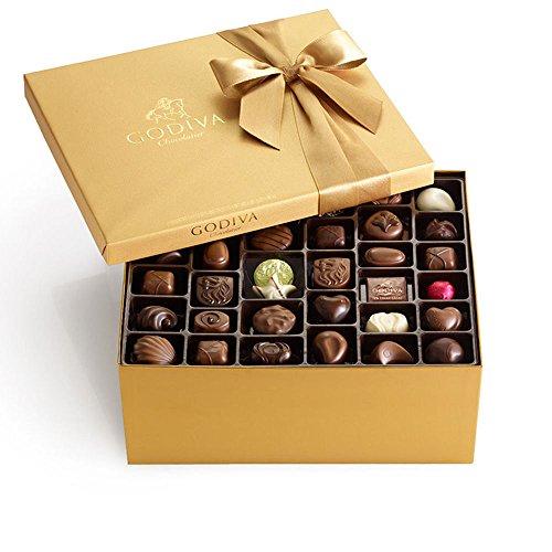 Godiva Chocolatier Classic Gold Ballotin Candy, 140 Count