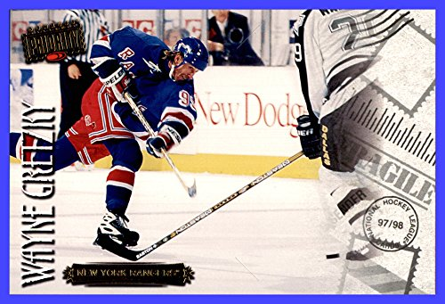 1997-98 Donruss Priority Postcards #7 Wayne Gretzky NEW YORK RANGERS measures 4x6 inches from Donruss Priority Postcards