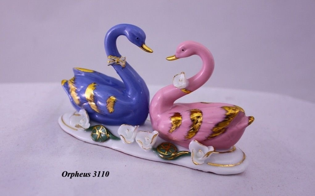 Feng Shui Swans-hand Crafted and Decorated Chinese Porcelain 11041