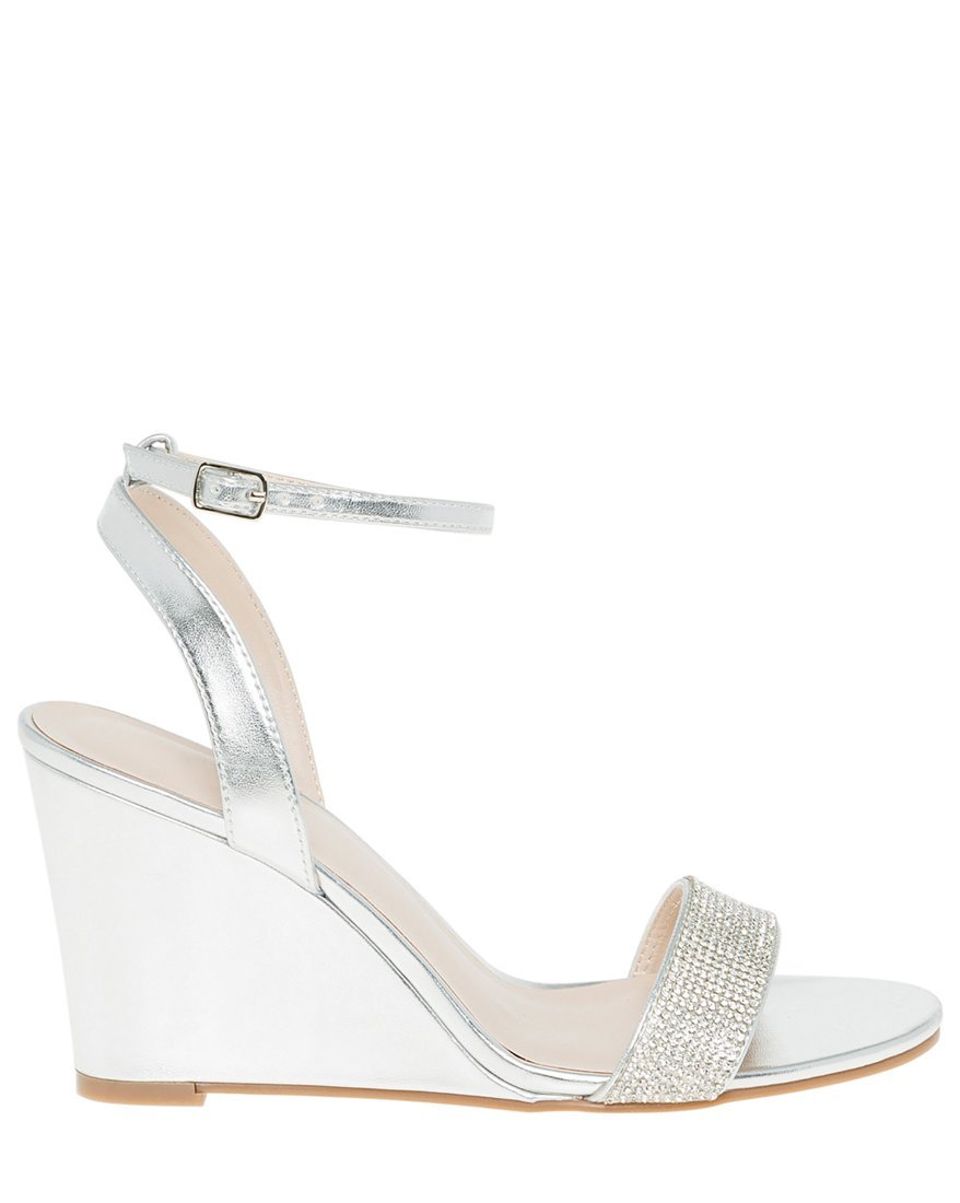 LE CHÂTEAU Women's Embellished Metallic Wedge Sandal,8,Silver