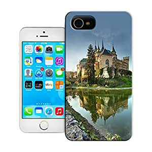 BreathePattern-The Oldest Castle - Slovakia Bojnice Castle -Apple iPhone 4 case