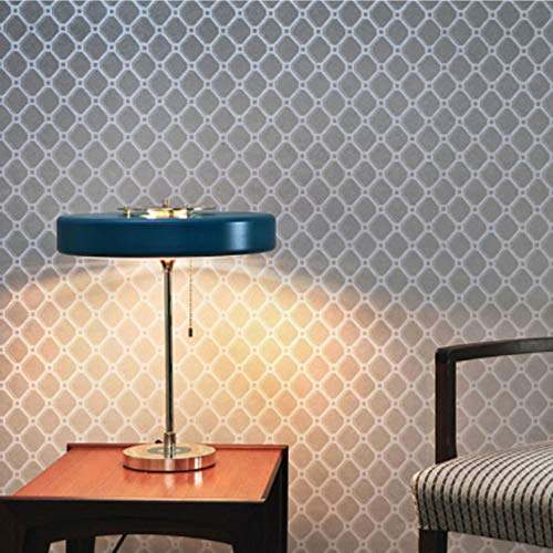 Moderno dormitorio principal con cremallera metálica lámpara ...