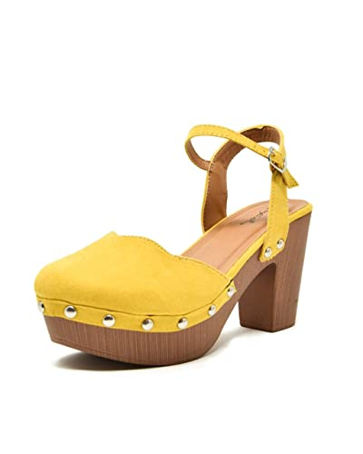 fc1ae6ad1f7 Qupid Women s Farris-11 Faux Suede Studded Clog Heeled Sandals (6.5
