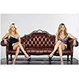 Nashville (TV Series 2012 - ) 8 inch by 10 inch PHOTOGRAPH Connie Britton & Hayden Panettiere Sitting at Opposite Ends of Brown Leather Couch kn