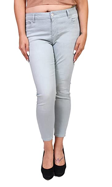 2255a7eb089 Celebrity Pink Jeans Women Plus Size Middle Rise Ankle Skinny Jeans   Amazon.ca  Clothing   Accessories