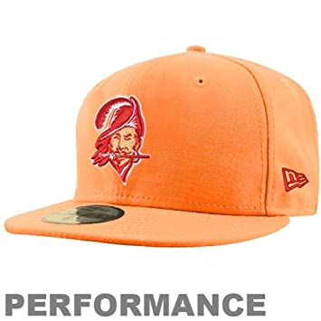 various colors 584f6 08b01 New Era Tampa Bay Buccaneers 59FIFTY Fitted Sideline NFL Cap Classic (6 7 8