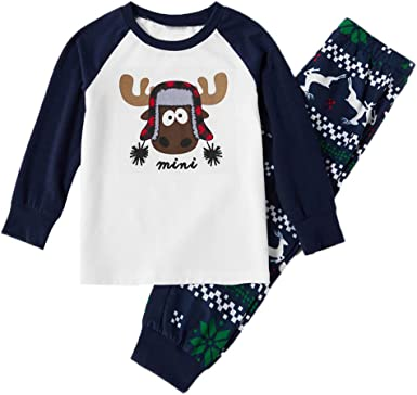 Familia a juego pijamas para Navidad, papá mamá niño bebé ...