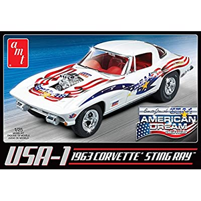 AMT AMT909 1:25 Scale 1963 Chevy Corvette USA1 Plastic Model: Toys & Games